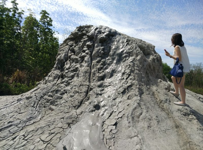 Bis zum Kraterrand des Vulkans sind es nur ein paar Schritte.