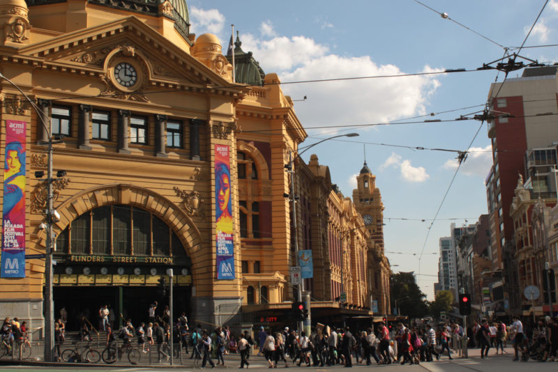 Start- und Endpunkt einer Walking Tour: Die Flinders Station. Foto: Yi Chen / Flickr