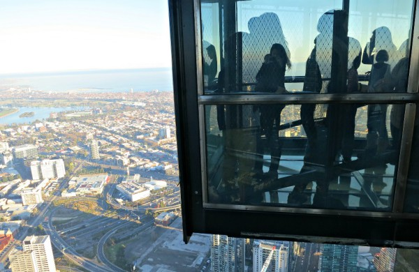 Nur für Schwindelfreie: Die Plattform auf dem Eureka Tower. Foto: Andrea Lai / Flick