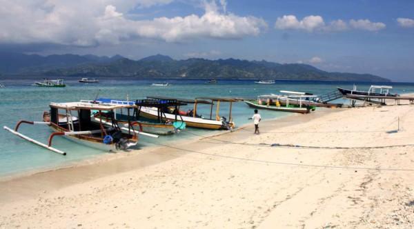 So sieht der Weltreisetraum vieler aus: Eine der drei Gili-Inseln bei Bali. Fotos: O. Zwahlen