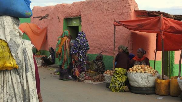 Marktstände in der UNESCO geschützten Altstadt von Harar.