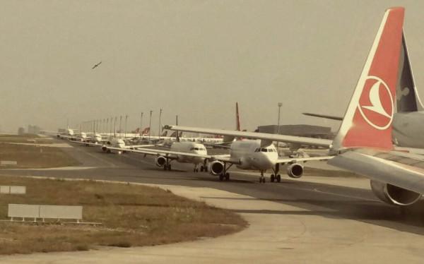Viele Flieger: Flugzeugstau in Istanbul.