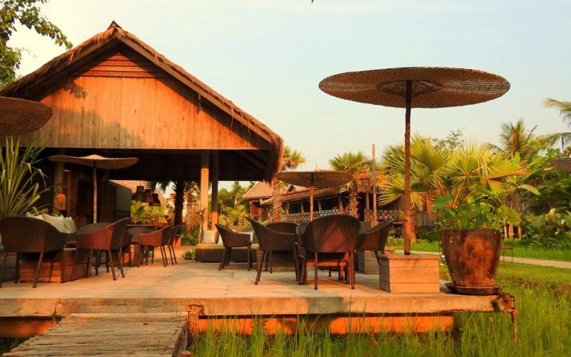Für gemütliche Sundowner: Die Bar des Sala Lodges.