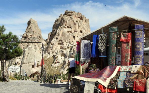 Blick auf die Felsenburg von Uçhisar. Fotos: OZ