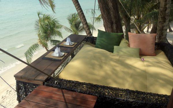 Das Hochbett bietet eine tolle Aussicht auf den Strand.