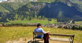 Bergpanorama: Aussicht auf Lech und den Rüfikopf. Fotos: OZ.