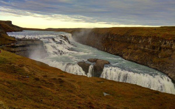 Der Gullfoss Wasserfall: Ein eindrückliches Naturschauspiel.