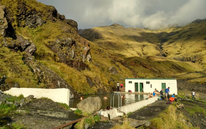 Ein Relikt aus einer anderen Zeit: Der Seljavallaug-Pool, mitten im Nirgendwo.
