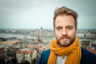 Rasmus Christiansen hat sich mit Pissup Reisen auf das Organisieren von Politerabenden spezialisiert. Foto: ZVG