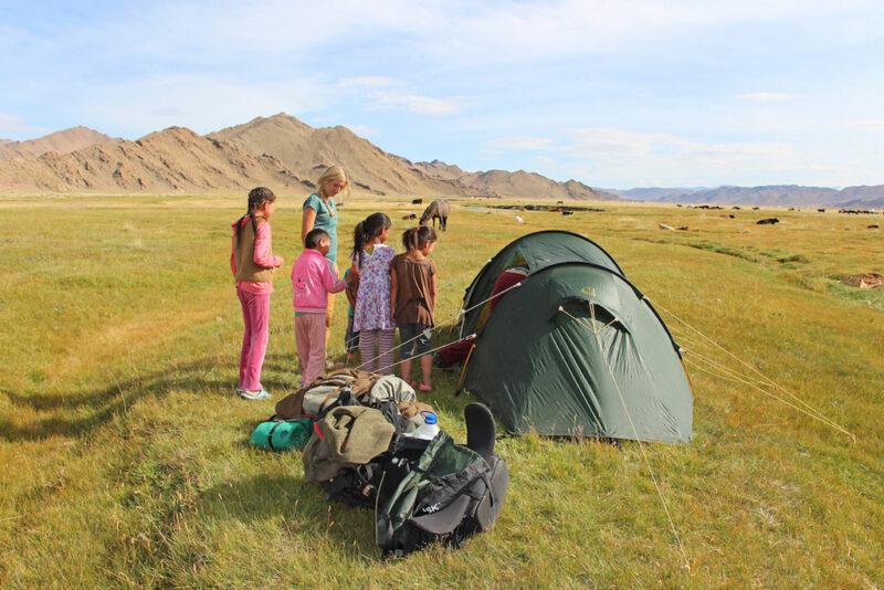 Mit Zelt und Rucksack zu Fuss durch die Mongolei.