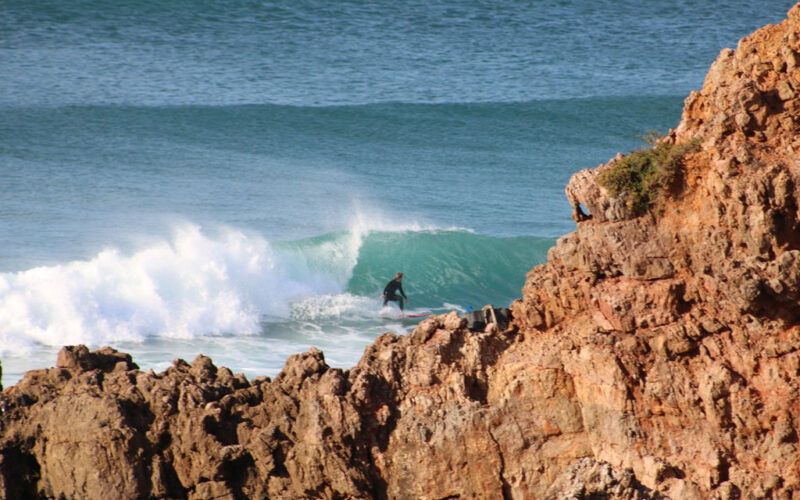 Portugal: Wieso du Surfen ausprobieren solltest