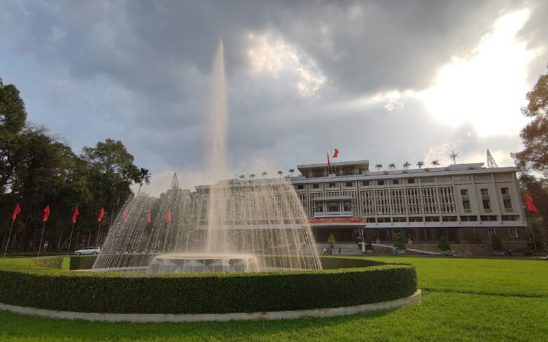 Backpacking in Saigon: Alter Palast