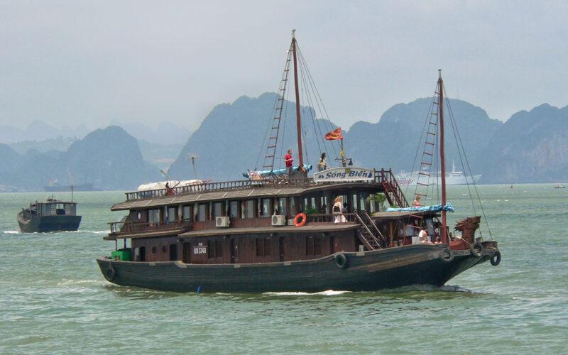 Halongbucht im Boot: Kein Geheimtipp mehr