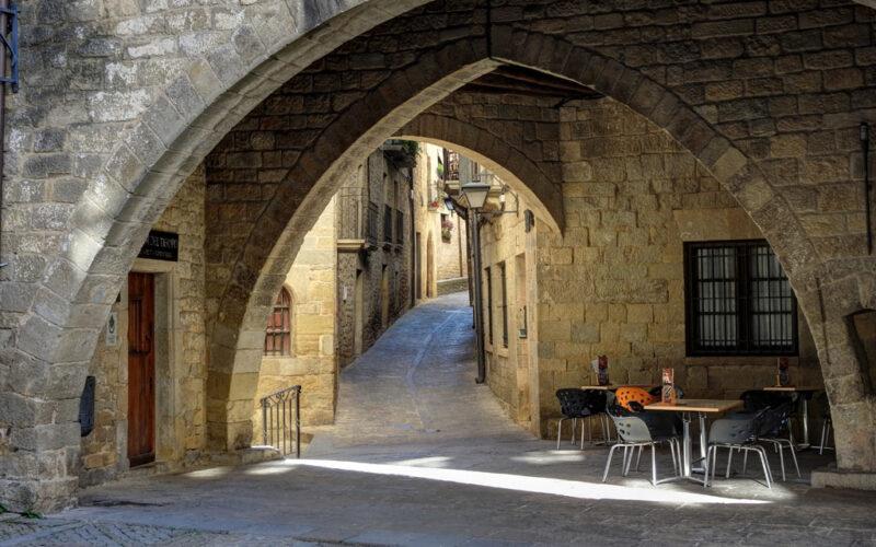 Eines der wenigen Cafés im Dorf.